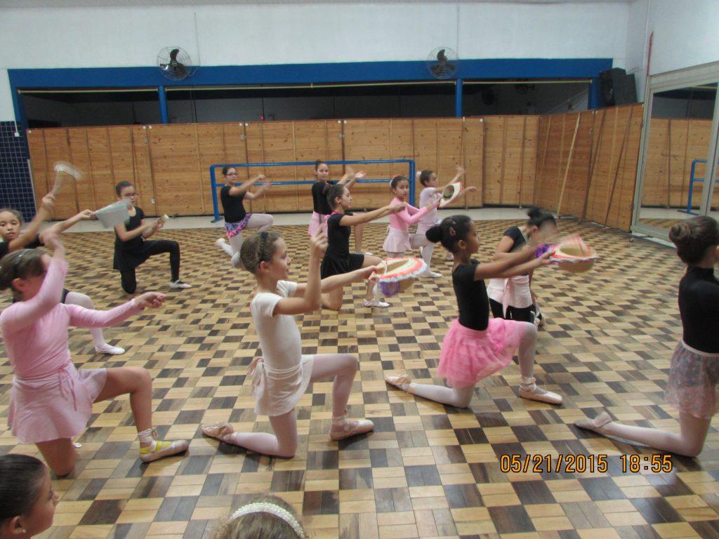 meninas do ballet infantil do centro social urbano próspera, cultura e dança